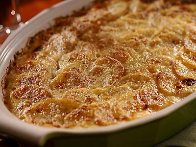Reteta cartofi gratinati