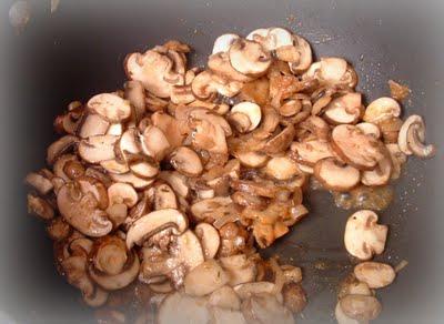 Chec aperitiv cu ciuperci