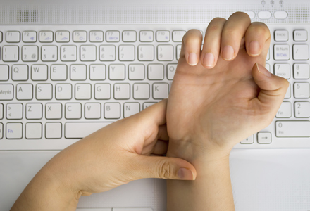 buricele degetelor amortite
