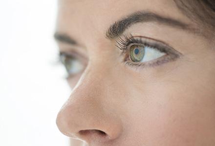 Cat la suta din populatia lumii are ochii verzi