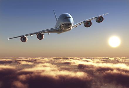 Imagini pentru avion in zbor