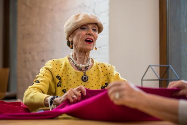Intalniri singulare de femei peste 60 de ani Site ul de dating pentru ADO COOREN