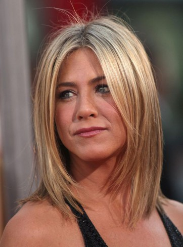 Jennifer-Aniston-bob-carre-lung