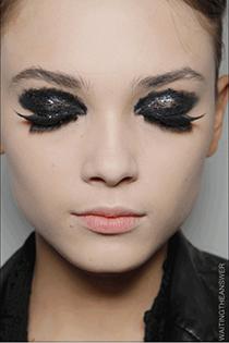 machiaj negru glitter 2
