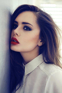 machiaj negru red lips