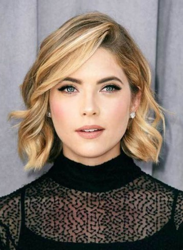 Ashley Benson tunsoare