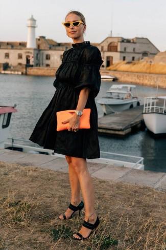 Ce culoare de pantofi merge la o rochie neagra