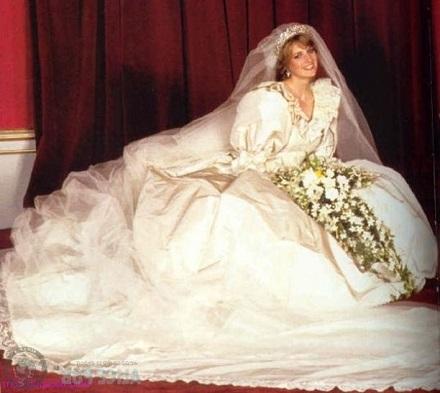 Rochie de mireasa printesa Diana