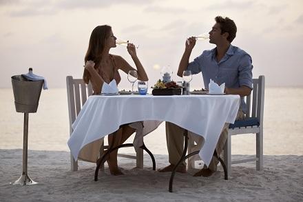 Cina romantica pe plaja