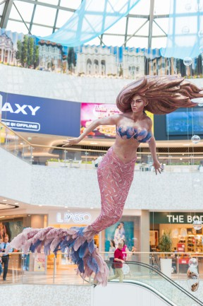 decoratiune sirena bucuresti mall