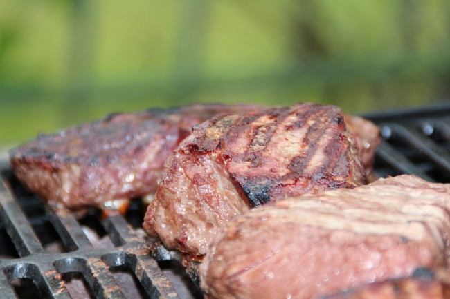 carne pe gratar