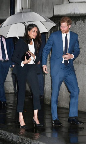 meghan markle in costum si printul harry