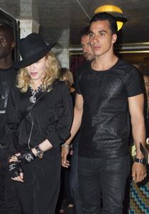 Madonna si noul iubit