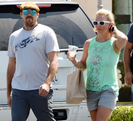Britney Spears si David Lucado