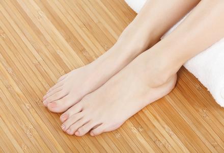 Micoza unghiei: diagnosticare, tratament si prevenire