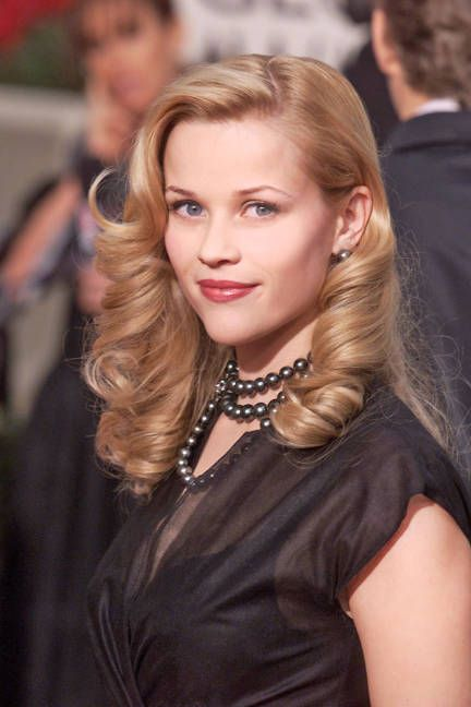 coafuri simple nunta facute acasa-bucle Reese Witherspoon