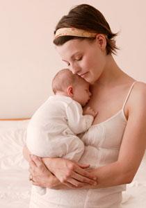 mama adormind copilul