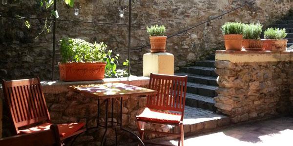 Restaurant Pivnita de vinuri exterior