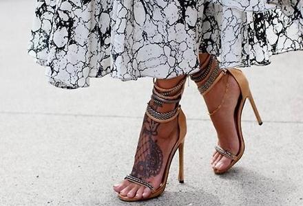 tatuaj_pe_picior_feminin