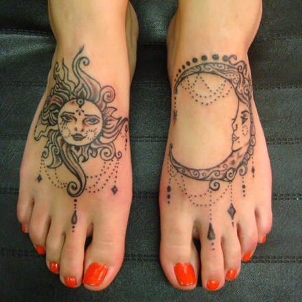 tatuaj_pe_picior_soare_luna