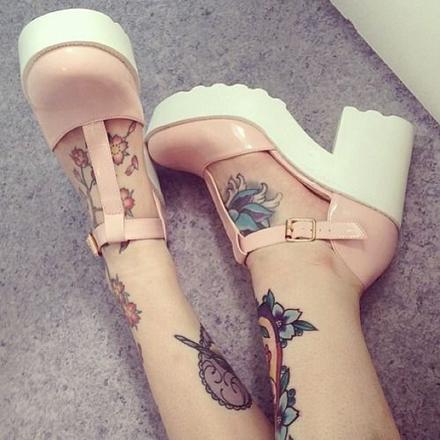 tatuaj_picior_feminin
