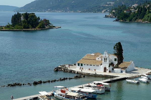 Corfu insula greceasca