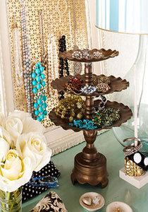 platou vintage cu bijuterii