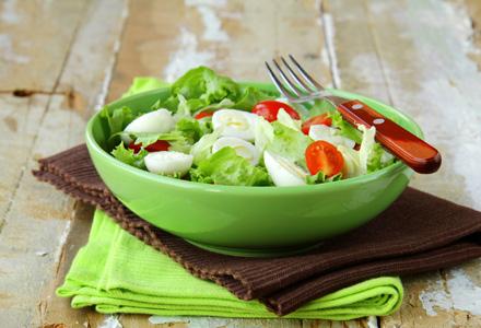 bol cu salata