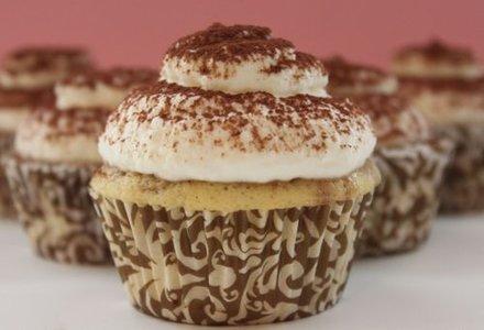 cupcakes cu crema tiramisu