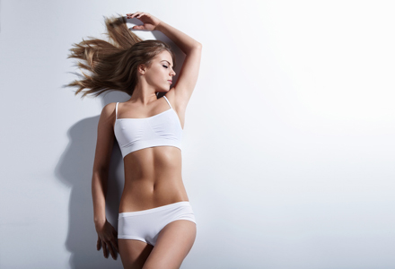 femeie cu trup tonifiat