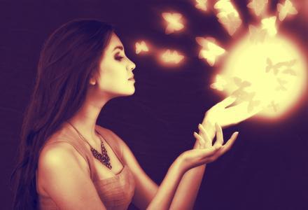 femeie cu puteri magice