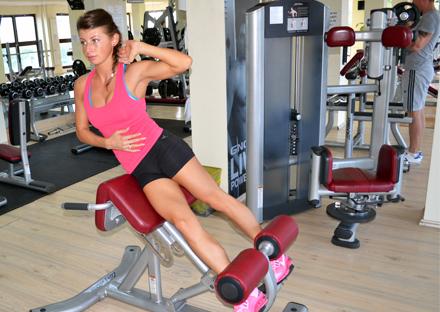exercitii pentru abdomen la sala