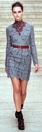 rochie de zi din dantela Christopher Kane
