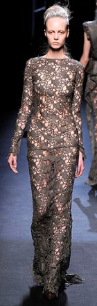 rochie de seara din dantela Haider Ackermann