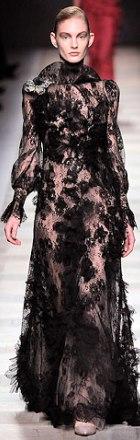 rochie de seara din dantela Valentino