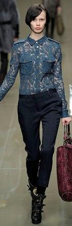 poza bluza din dantela Burberry Prorsum
