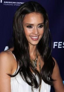Jessica Alba, aprilie 2010