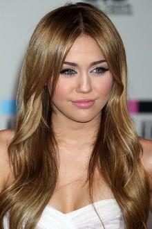 Miley Cyrus, decembrie 2010
