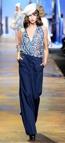 http://www.divahair.ro/images/speciale/articole/gabriela_diva/2011.02.24/4_Christian_Dior_00090m.jpg