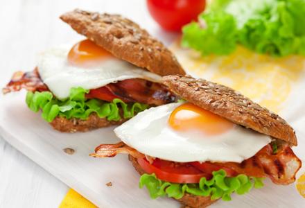 бутерброды с беконом рецепты с фото
