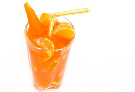 6 băuturi detoxifiante care ajută la slăbit