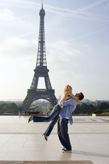vacanta europa low cost destinatii turistice circuit turistic paris franta turnul eiffel