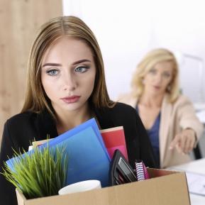4 zodii care sunt mereu concediate din cauza atitudinii lor
