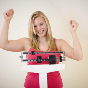 Cum a slăbit o tânără 65 de kilograme, în 5 pași simpli