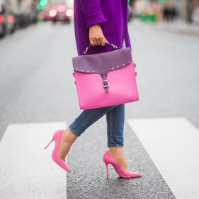 Pantofii cu toc nu mai sunt la modă! Care este modelul care face furori în această toamnă!