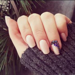 30 de manichiuri de pe Instagram care te vor convinge să renunți la unghiile nude