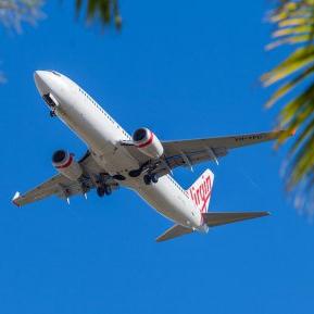 De ce nu ar trebui să dormi niciodată într-un avion care decolează sau aterizează