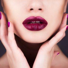 Buzele încrustate cu diamante, tendința HOT de makeup care a intrat în Cartea Recordurilor