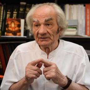 """Acad. Prof. Dr. Leon Dănăilă, sfat prețios pentru români: """"Credința în Dumnezeu îi dă bolnavului o imunitate mai bună"""""""