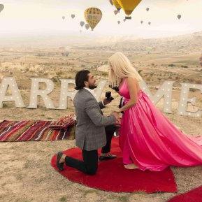 """Anda Adam e într-al nouălea cer! Iubitul ei a cerut-o în căsătorie în cel mai romantic mod: """"A fost foarte emoționant, nu mă așteptam, am plâns de bucurie"""""""